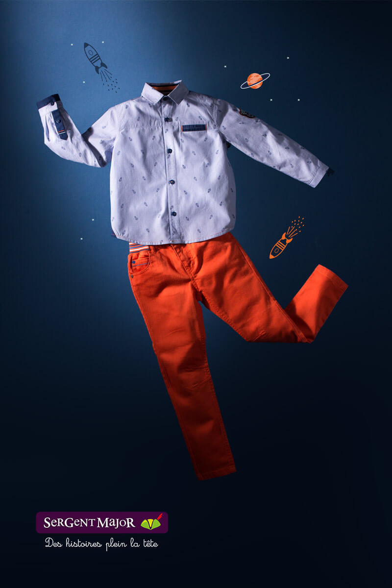 Shooting photo Ensemble pantalon et chemise garçon dans l'espace
