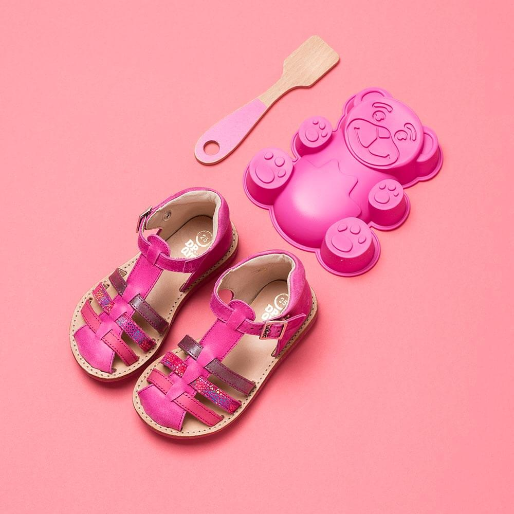 Photo Chaussure enfant stylisme rose