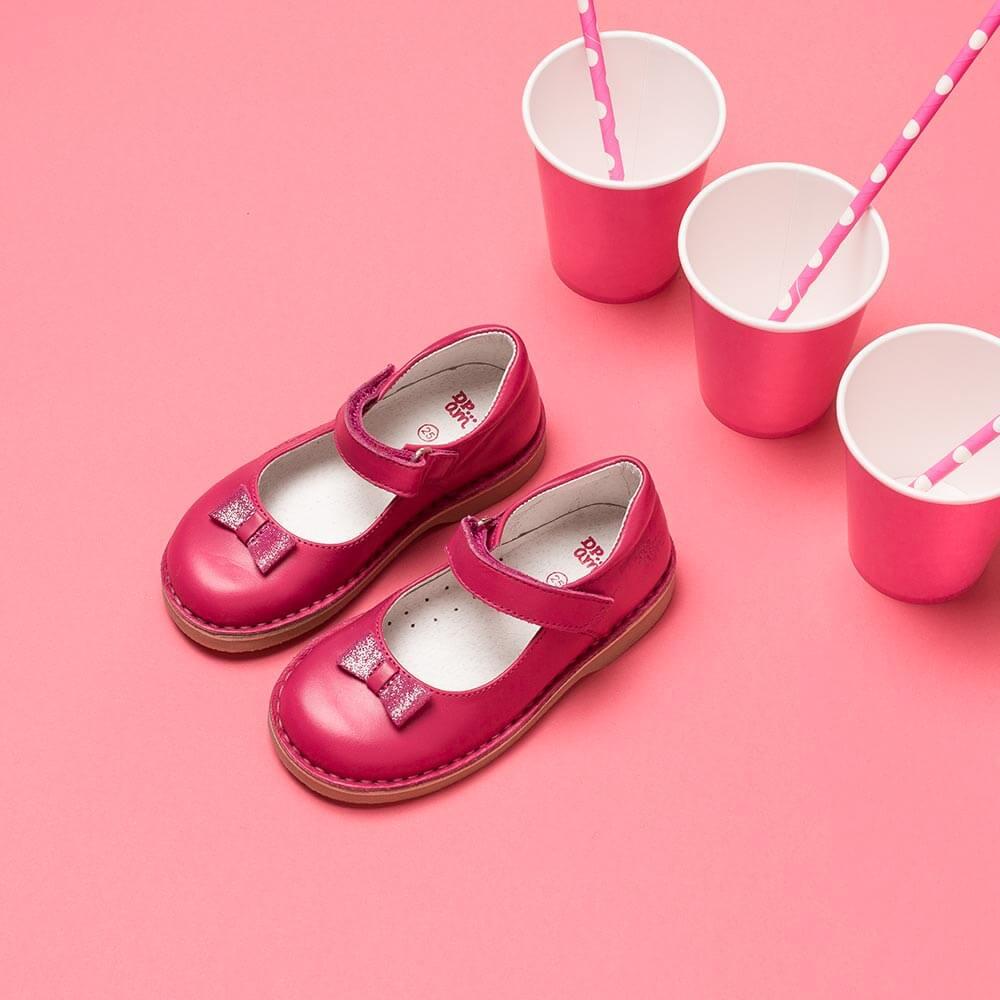 Chaussure avec stylisme enfant